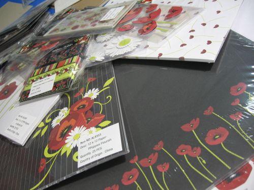 Red poppy paper